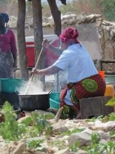 מכינים ארוחת צהריים